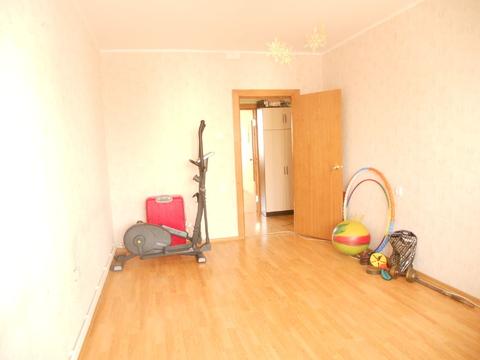 Продам 2-комнатную квартиру по ул. Есенина - Фото 3