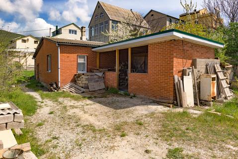 Продам землю 9.0 сот с домом, город Новороссийск село Южная Озереевка - Фото 1