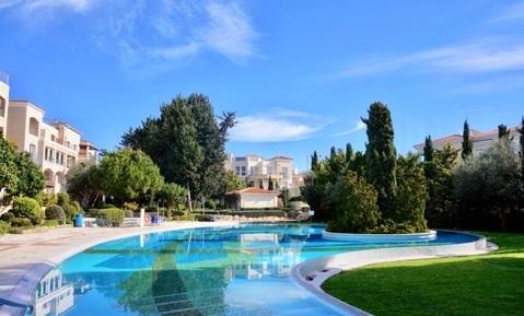 Впечатляющий трехкомнатный апартамент с большой верандой в Пафосе - Фото 2
