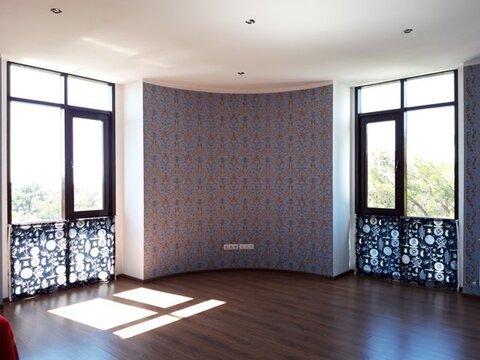 3-х комнатная квартира на центральной улице, панорамными окнами - Фото 2