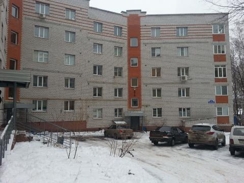 Квартира в удобном районе города, возле школы и детсада. - Фото 1
