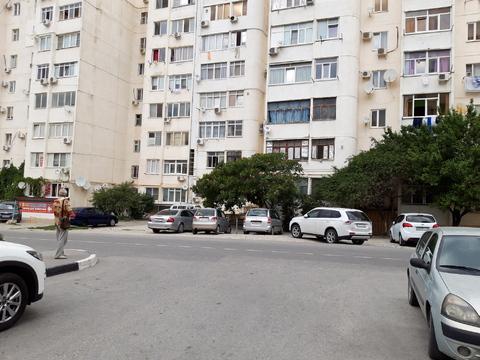 В спальном районе, хорошей инфраструктурой продаётся 4-х комнатная - Фото 1