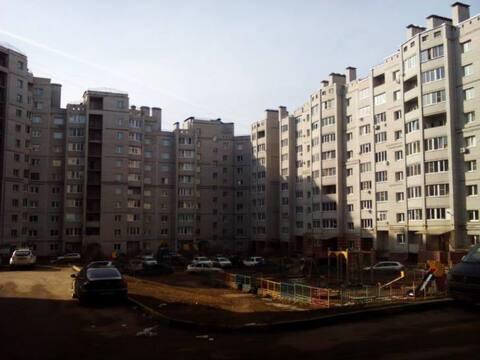 Продажа двухкомнатной квартиры на Солнечном бульваре, 2 в Калуге, Купить квартиру в Калуге по недорогой цене, ID объекта - 319812326 - Фото 1