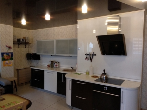 Продам 2-комнатную квартиру ул. Маточкина - Фото 1