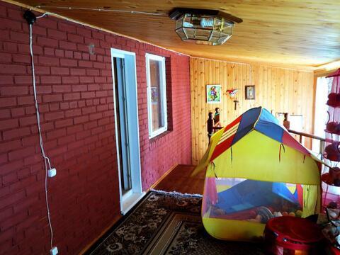 Кирпичный дом 140 кв.м. на ухоженном, зеленом участке 15 соток. - Фото 1