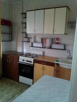 Улица Космонавтов 96б; 1-комнатная квартира стоимостью 9000 в месяц . - Фото 1