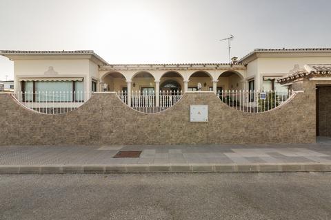 Продаю Шикарную Виллу в Торрэ дэль Мар, Малага, Андалусия, Испания. - Фото 2