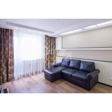 Продается 2-комнатная квартира с новым дизайнерским ремонтом - Фото 1
