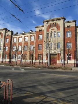 Продается 2-х комнатная квартира в Кировском районе - Фото 1