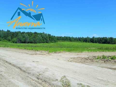 Продается земельный участок в красивой деревне в окружении леса - Фото 1