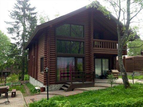 Двухэтажный коттедж с баней в пос. Орехово - Фото 1