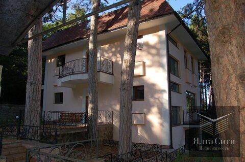 Горный, 3-этажный дом в охраняемом коттеджном поселке - Фото 1