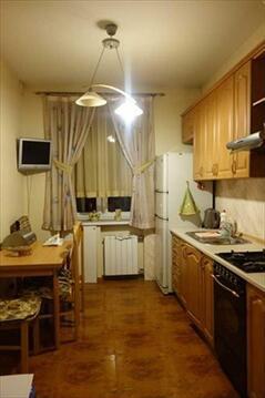 В продажу предлагается трехкомнатная квартира на Новослободской улице. . - Фото 1
