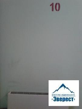 Продается однокомнатная квартира Московская область Щелковский район п.Свердловский ул.Михаила Марченко д.6 . Квартира в собственности менее 3 лет, наследство по закону, будет указана полная стоимость в дкп, один взрослый собственник, свободная продажа.Квартира с ремонтом, остается кухонная мебель и холодильник.35/16/кухня 8, застекленный балкон, 10 этаж, дом монолит кирпич. Дом находится в современном и благоустроенном микрорайоне. В поселке есть школы, детсад, поликлиника, почта, сбербанк, мфц, сетевые продуктовые магазины, Атак.Доехать до поселка можно с Ярославского вокзала до ст. Чкаловская или автобусом от метро Щелковская.Приобретая квартиру с нашим агентством Вы получаете юридическое сопровождение и гарантию чистоты сделки, оформление всех необходимых документов. Наше агентство является официальным партнером Сбербанка, помощь с оформлением ипотеки.Для потенциального клиента возможен торг.
