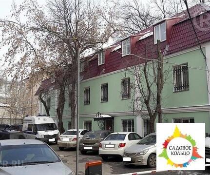 Двухэтажный с полноценной мансардой особняк, расположенный в Централ - Фото 1