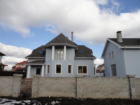 Дом 320 кв.м.+дом 115 кв.м. на участке 15 соток в кп - Фото 1
