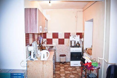 3 комнатная квартира, на 1 этаже 4 этажного дома. В кирпичном доме. . - Фото 1