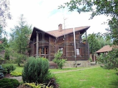 Дом необычной архитектуры на живописном участке в уютной деревне около . - Фото 2