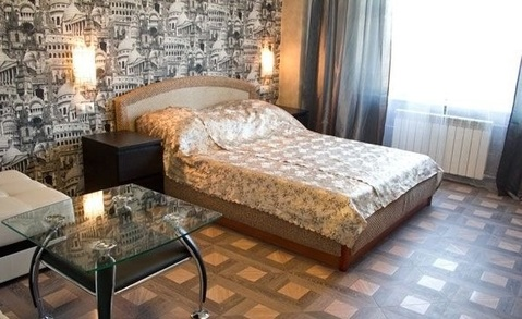 Сдается однокомнатная квартира посуточно или на часы, Квартиры посуточно в Екатеринбурге, ID объекта - 319515209 - Фото 1