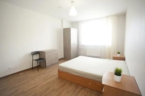 Объявление №64386227: Сдаю комнату в 3 комнатной квартире. Санкт-Петербург, Парголово, Николая Рубцова ул., 12 к. 1,