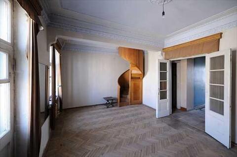 В продажу предлагается уникальная квартира с сохраненными элементами . - Фото 1