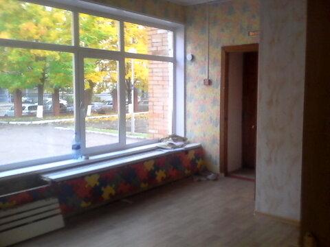Светлое офисное помещение на первом этаже, три отдельных входа. 135 кв - Фото 3