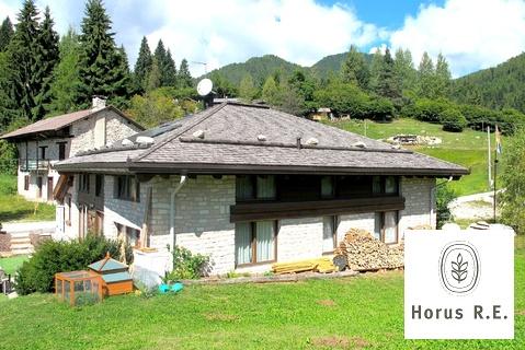 620 000 €, Старинная ферма с захватывающим видом на Доломитовые Альпы в Италии, Купить дом Трентино-Альто-Адидже, Италия, ID объекта - 503881338 - Фото 1