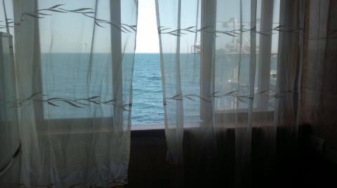 На Самом берегу моря в Ялте.Эллинг до 4 человек.Свой пляж. - Фото 5
