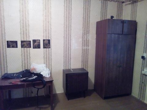 Аренда комн 19кв.м. с мебель и холодильником - Фото 3
