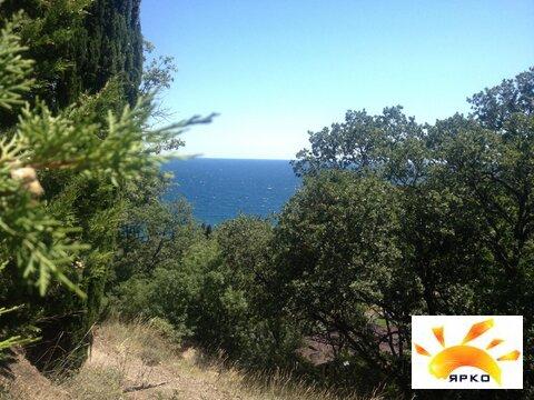 Участок на берегу моря в г. Алупка с красивым видом, рядом парк - Фото 1