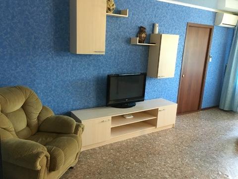 Двухкомнатная квартира в центре города - Фото 1
