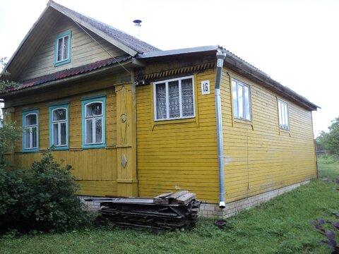 Продается крепкий дом с новым фундаментом и газом в центре поселка. - Фото 1
