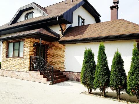 Кирпичный дом в городе - Фото 1