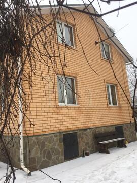 Солидный просторный дом в жилой деревне на окраине Дедовска. . - Фото 1