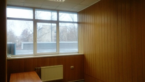 Офисное помещение на втором этаже бизнес-центра. 15 кв.м - Фото 2