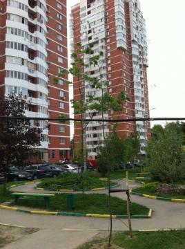 Сдаю 2-х комнатную квартиру на ул Веерная д.2 18 этаж - Фото 1