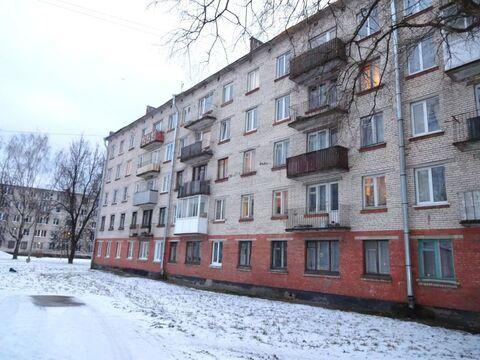Комната в 5 ком. кв, пр. Карла Маркса 29 - Фото 1