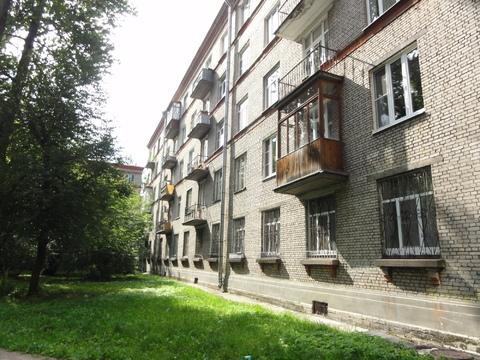 Продается комната в сталинке в 5 минутах от Удельной, Купить комнату в квартире Санкт-Петербурга недорого, ID объекта - 701081209 - Фото 1