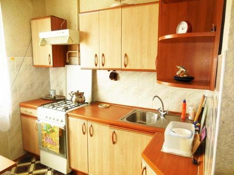1-комнатная квартира, 34 кв.м. Этаж: 3/5 панельного дома. Центр города - Фото 1