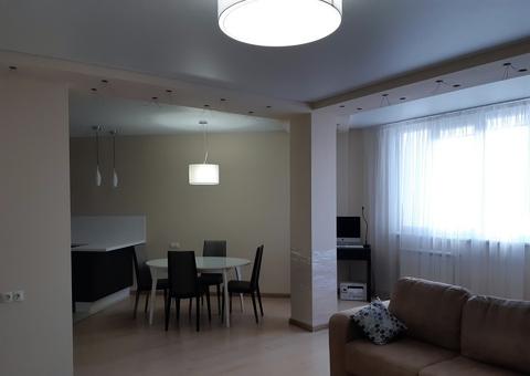 3-к квартира, 105 м, 3/10 эт. Братьев Кашириных, 32 - Фото 1