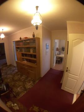 Сдается на длительный срок просторная 2-к.квартира - Фото 1