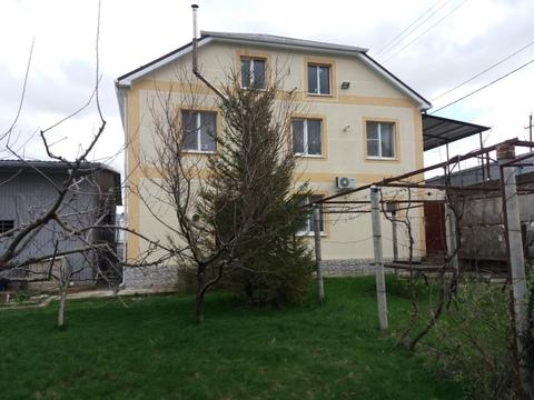 Купить дом с участком 12 сот. в Новороссийске - Фото 1