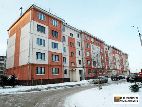 Трехкомнатная квартира в Волоколамске. Большая кухня. Лоджия. - Фото 1