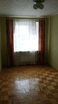 Продам 3-комнатную квартиру на среднем этаже кирпичного дома. - Фото 1
