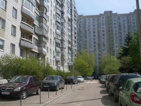 Продаётся 1-на комнатная отличная квартира в шаговой доступности - Фото 1