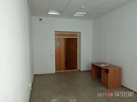 Помещение на 1 этаже в БЦ на проспекте Ленина (22кв.м) - Фото 1