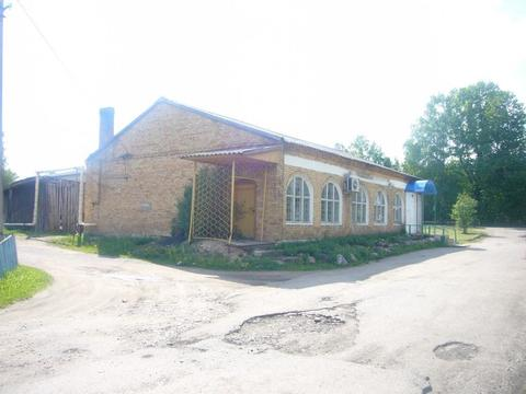 Торговое здание в центре села - Фото 1