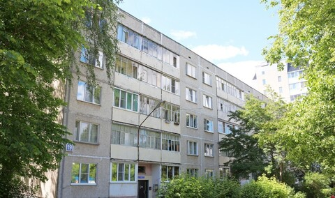 Продам 2 квартиру по улице Гузовского сзр Xебоксар в пятиэтажном доме