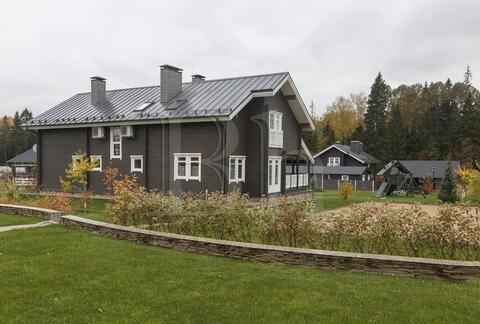 Новый коттедж в сформированном коттеджном поселке в окружении леса! . - Фото 1