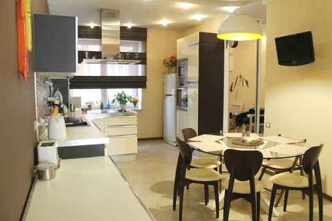 Продам большую квартиру в Центре Днепра! 3 комнаты + гостиная. - Фото 1
